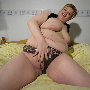 Fat Moms Pussy Porn Pictures