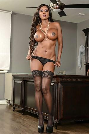 Black Moms Big Tits Porn Pictures