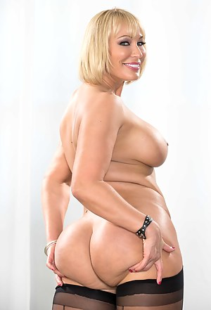 Chubby Moms Porn Pictures